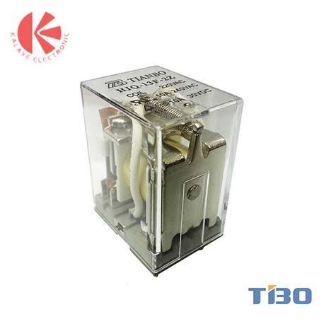 رله ایزومی پایه سوکتی 2 کنتاکت 24 ولت 10 آمپر